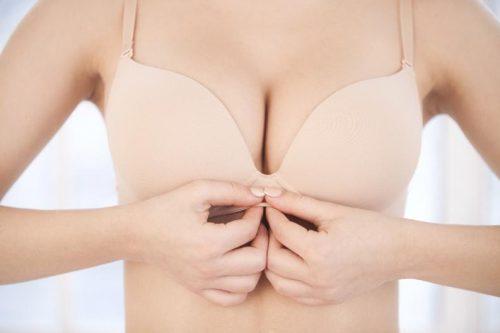 Chirurgie des seins : avant ou après bébé ?