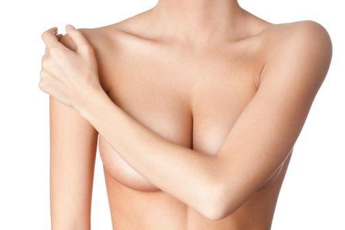 Ma poitrine est-elle normale ?